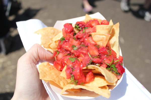 出典:http://mngirlinla.com/2013/04/23/the-30th-annual-california-strawberry-festival/