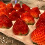 夏や秋も美味しい国産イチゴを食べたい!そんな夢を叶えてくれる「夏イチゴ農園ストロベリーファーム」の「なつあかり」